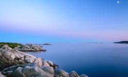蓝色小时美丽的射击接近Jorpeland,挪威的 免版税库存图片