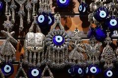 蓝色小珠-纳扎boncuÄŸu -盛大义卖市场 免版税库存照片