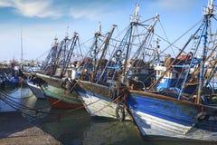 蓝色小船钓鱼 图库摄影