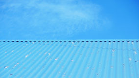 蓝色屋顶。 免版税图库摄影