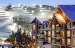 蓝色山村在冬天 图库摄影