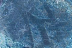 蓝色岩石墙壁 免版税图库摄影