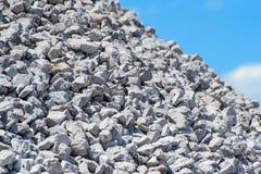 蓝色岩石天空 免版税库存照片
