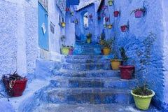 蓝色市舍夫沙万在摩洛哥 免版税库存照片