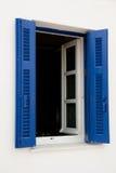蓝色希腊视窗 免版税库存图片