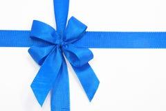 蓝色弓 免版税库存图片