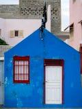 蓝色房子墙壁,佛得角 图库摄影