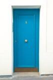 蓝色房子门 免版税库存照片