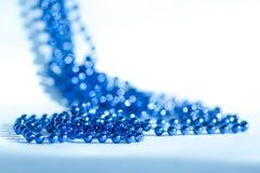 蓝色抽象圣诞节装饰背景 免版税图库摄影