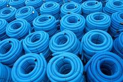 蓝色排水设备管道 免版税库存照片