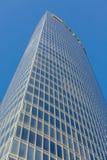 蓝色接近的壁角摩天大楼 免版税库存照片