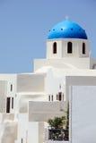 蓝色教会圆顶希腊oia santorini 免版税库存图片