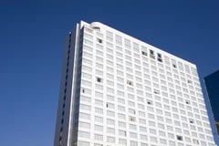 蓝色旅馆天空白色 库存照片