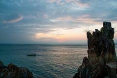 蓝色日落。 免版税库存照片