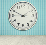 蓝色时钟墙壁 库存照片