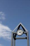 蓝色时钟天空塔 免版税库存图片