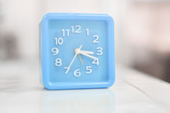 蓝色时钟 库存照片