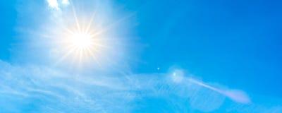 蓝色明亮的天空星期日 库存图片