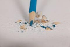 蓝色有残破的技巧的色的铅笔 库存照片