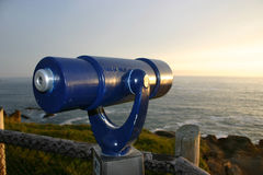 蓝色望远镜 免版税库存图片