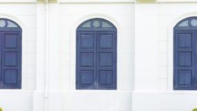 蓝色木窗口经典之作样式 免版税图库摄影