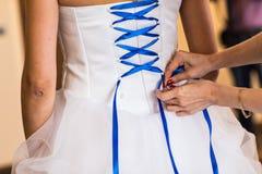 蓝色束腰新娘 免版税图库摄影