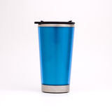 蓝色杯子上升暖流 免版税库存照片