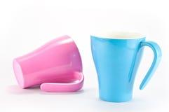 蓝色杯子粉红色 图库摄影
