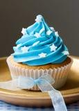 蓝色杯形蛋糕 免版税图库摄影