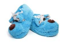 蓝色查出的鞋子拖鞋 免版税库存图片