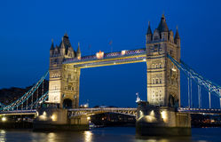 蓝色桥梁时数塔 库存照片