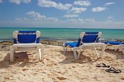 蓝色椅子远景 免版税图库摄影