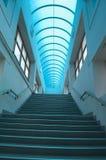 蓝色楼梯垂直 免版税库存照片