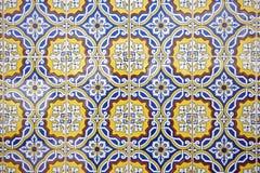 蓝色模式瓦片空白黄色 免版税库存照片