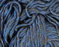 蓝色毛线织法特写镜头 免版税库存图片