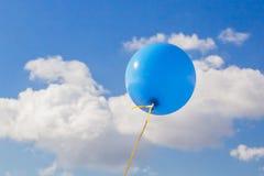 蓝色气球 库存照片