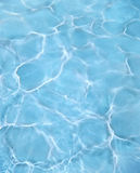 蓝色池水 图库摄影