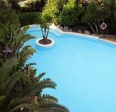 蓝色池游泳 库存图片