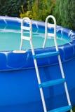 蓝色池游泳 免版税库存照片