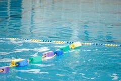蓝色池游泳 免版税库存图片