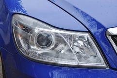 蓝色汽车前灯 免版税图库摄影