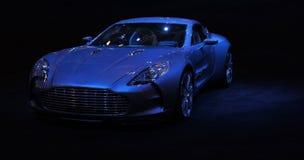 蓝色汽车查出的体育运动 免版税库存图片