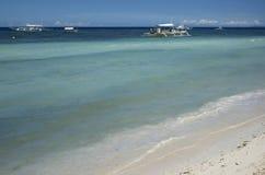蓝色沙子海运天空 免版税库存图片
