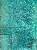 蓝色波纹石绿松石水 免版税库存照片
