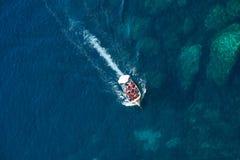 蓝色洞穴小船旅行,马耳他 库存图片