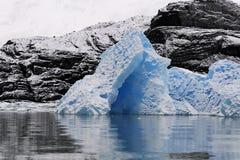 蓝色浮冰冰 免版税图库摄影