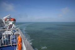 蓝色海和天空 免版税库存图片