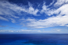 蓝色海天空 免版税库存图片