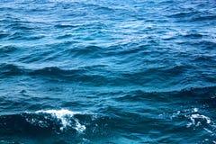 蓝色海宏指令的照片挥动 免版税图库摄影