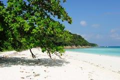 蓝色海岛沙子海运tachai白色 免版税库存图片